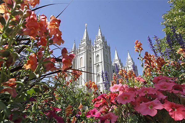 Мормонским миссионерам разрешили звонить домой еженедельно, а не два раза в год