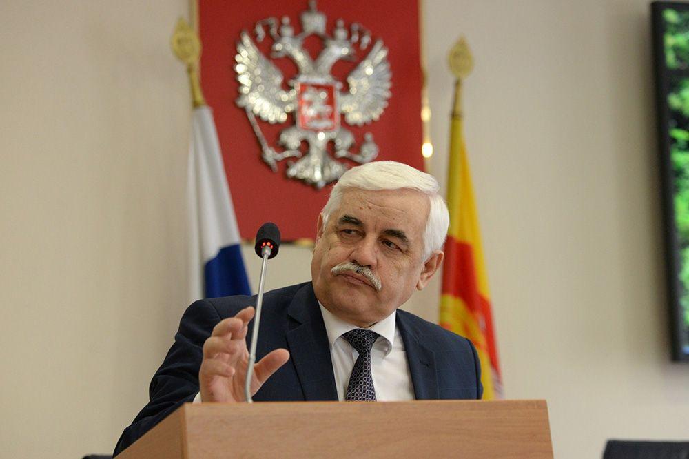 Воронежский губернатор выплатил уволенному заму «золотой парашют» иснова взял наработу