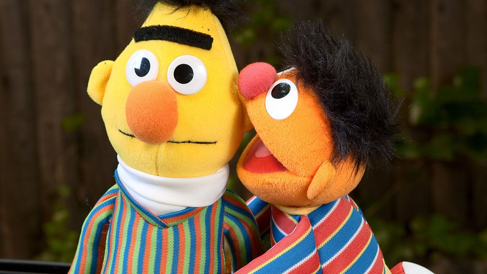 Сценарист «Улицы Сезам» объявил, что Влас иЕник— геи. АААА!
