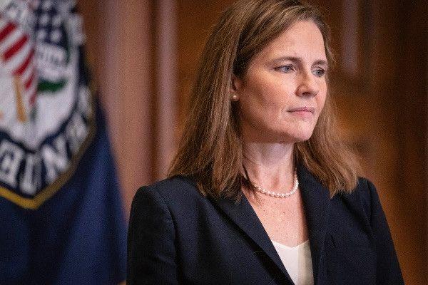 Сенат США утвердил кандидатуру Эми Кони Барретт на должность члена Верховного суда