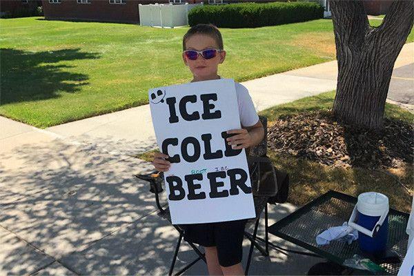 В Юте 11-летний мальчик сделал рекламу своему безалкогольному пиву как настоящему и привлек внимание полиции