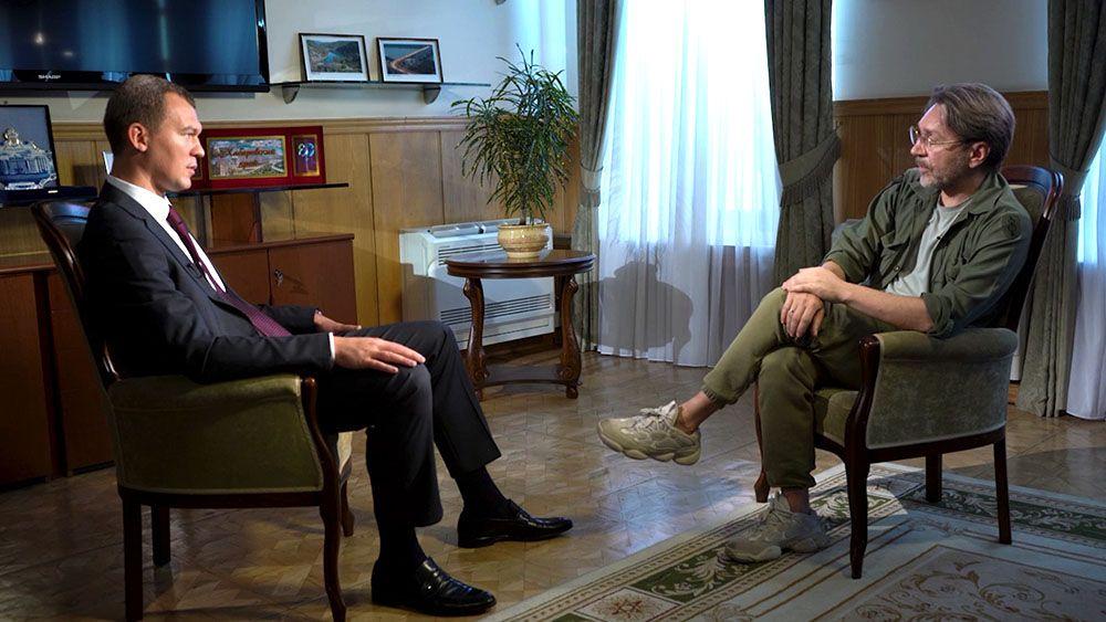Шнуров в шоке от ответа Дегтярева