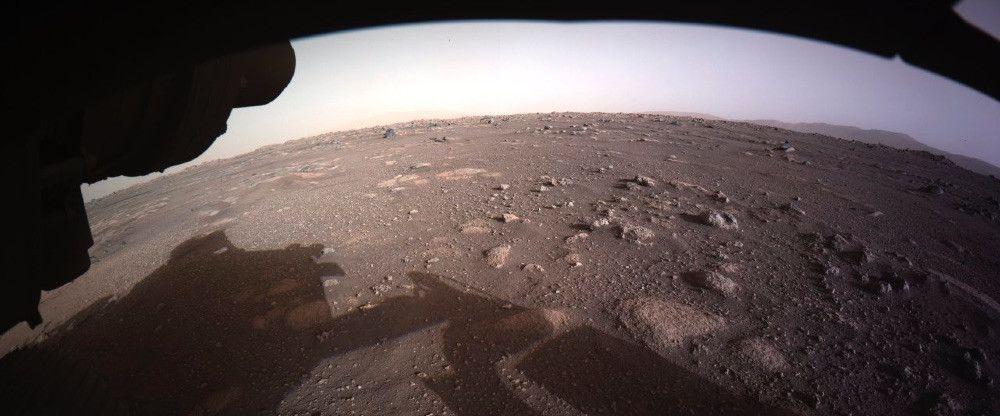 Ровер Perseverance прислал цветные фотографии с Марса