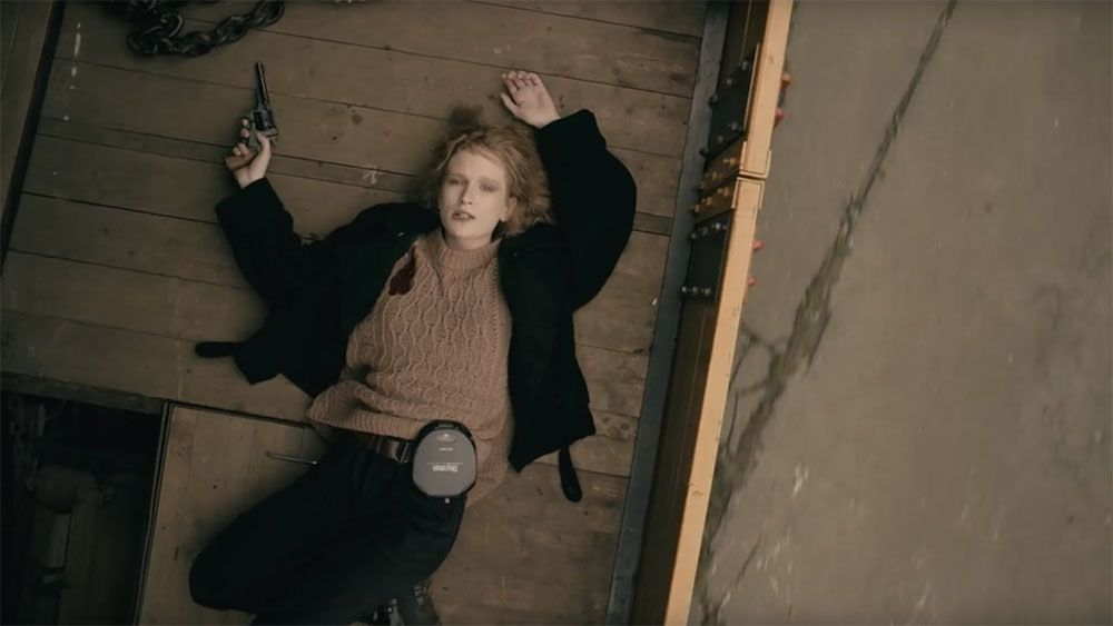 Вышел новый клип Монеточки напесню «90» помотивам фильма «Брат»