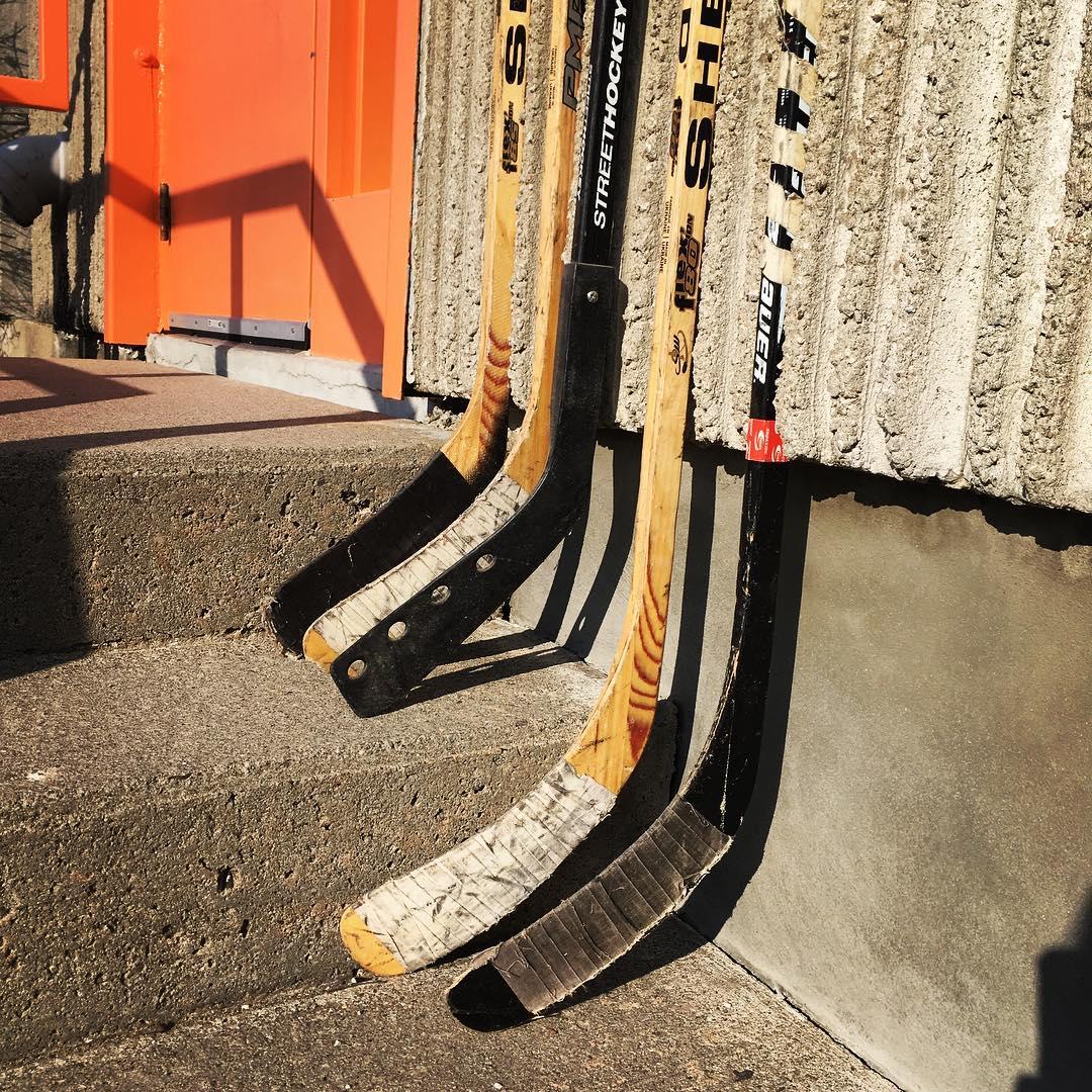 Число погибших вДТП савтобусом хоккеистов вКанаде достигло 16 человек