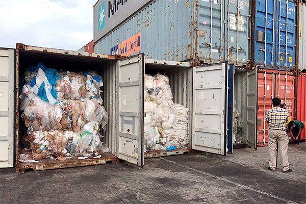 Камбоджа заявила, что вернет пластиковый мусор США и Канаде