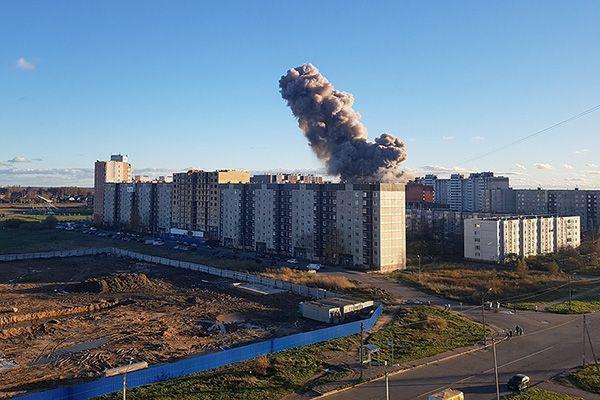 В Гатчине в Ленинградской области произошел взрыв на заводе пиротехники, есть погибшие