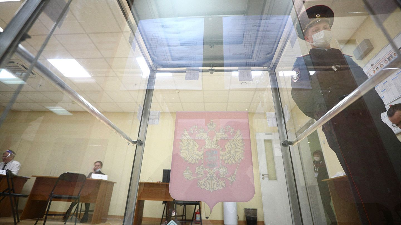 Прошедшие в Петербурге выборы отметились многочисленными скандалами