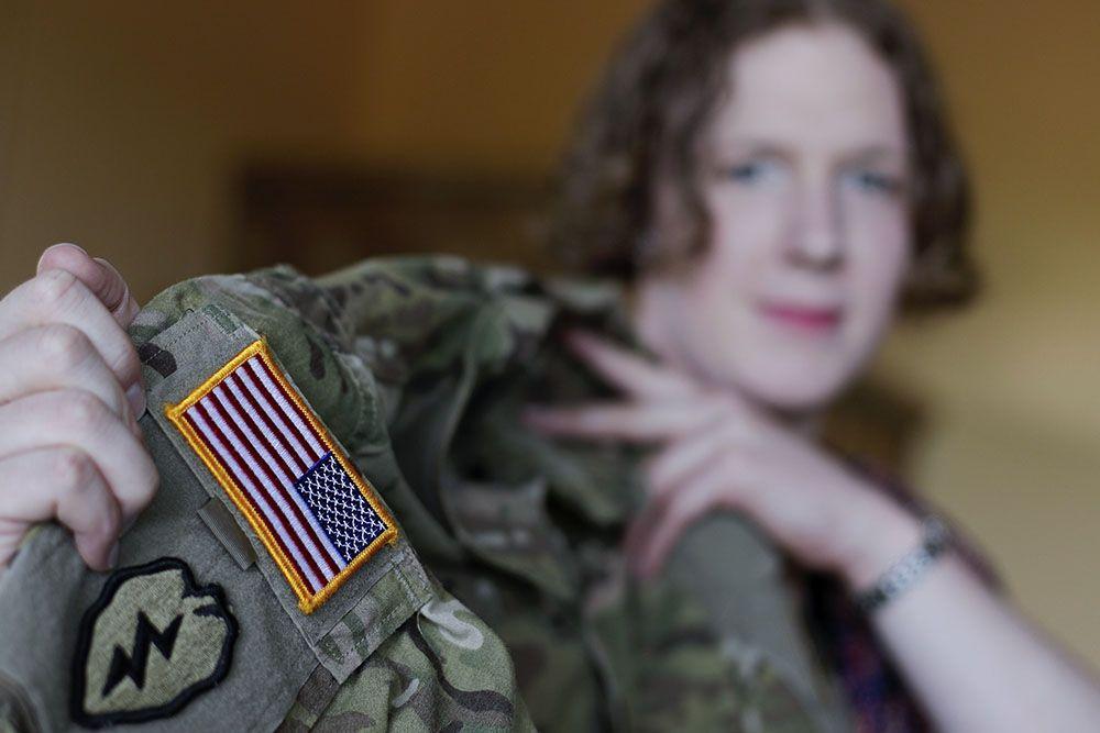 Власти США запретили трансгендерам служить в армии