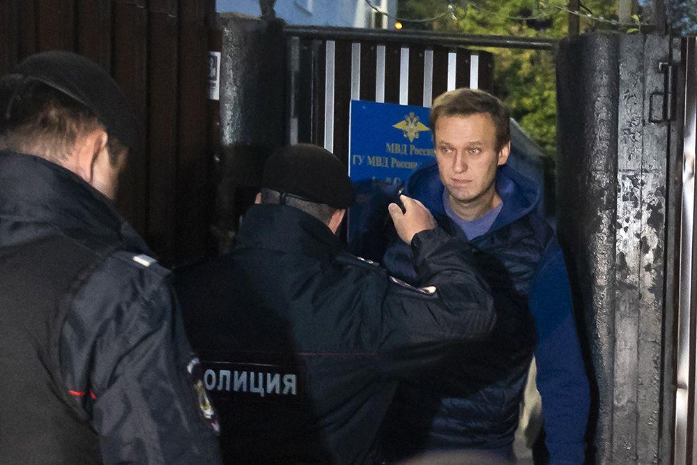 Додуэли недошел: Навальный снова схвачен