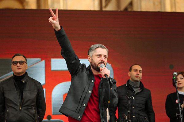 Владелец грузинского телеканала «Рустави 2» уволил его гендиректора Нику Гварамию