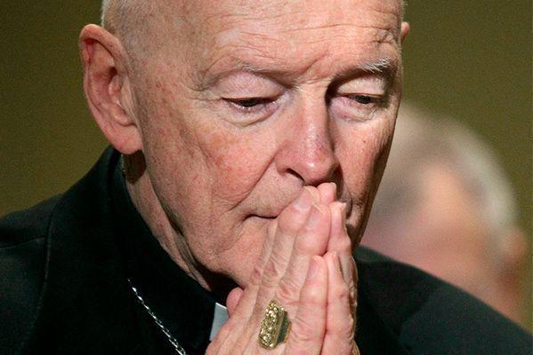 Папа Римский лишил сана бывшего архиепископа Вашингтона, которого признали виновным в педофилии