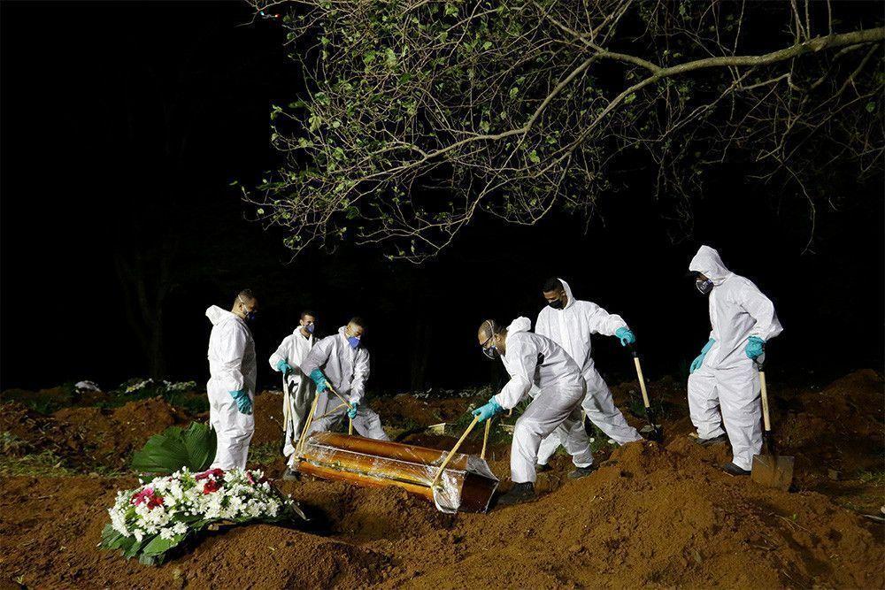 В Бразилии впервые за день умерли от ковида больше 4 тысяч человек