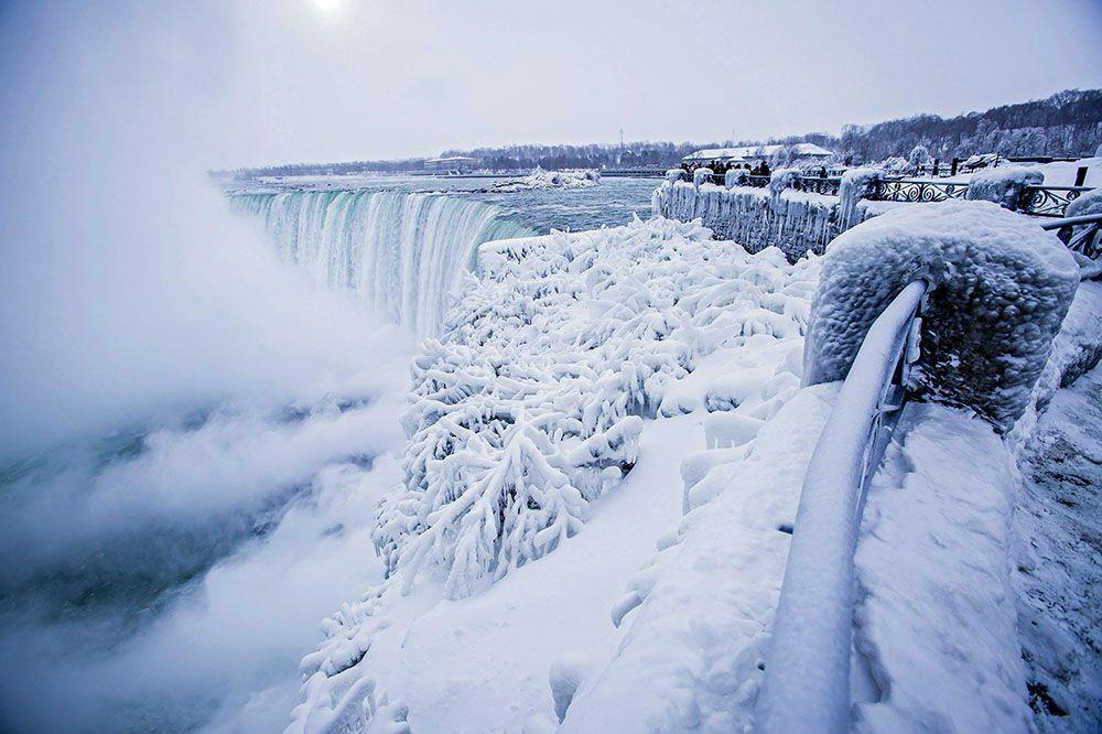 В США из-за рекордных холодов частично замерз Ниагарский
