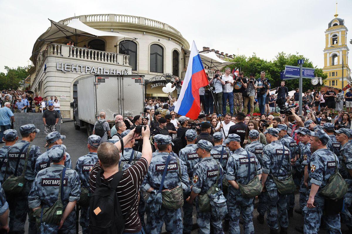 Навального арестовали на10суток