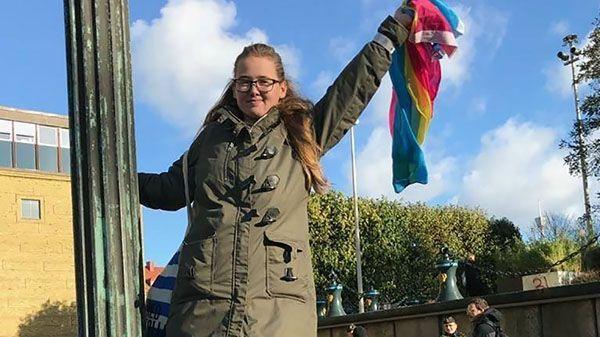 В Швеции предъявили обвинение студентке, которая приостановила депортацию афганского беженца