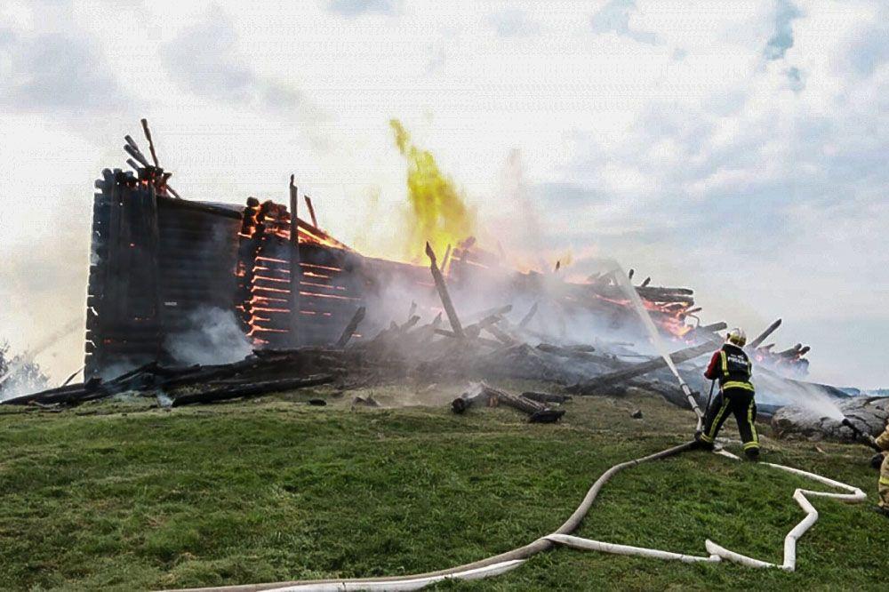 Сгоревшая вКарелии старинная церковь небыла застрахована