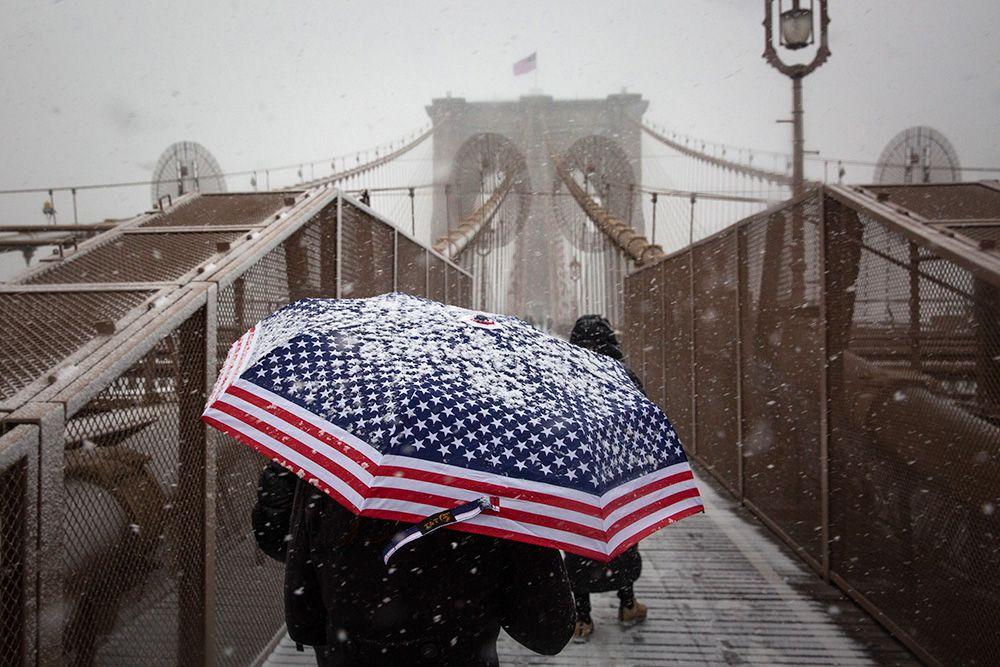 Снегопад вНью-Йорке парализовал движение