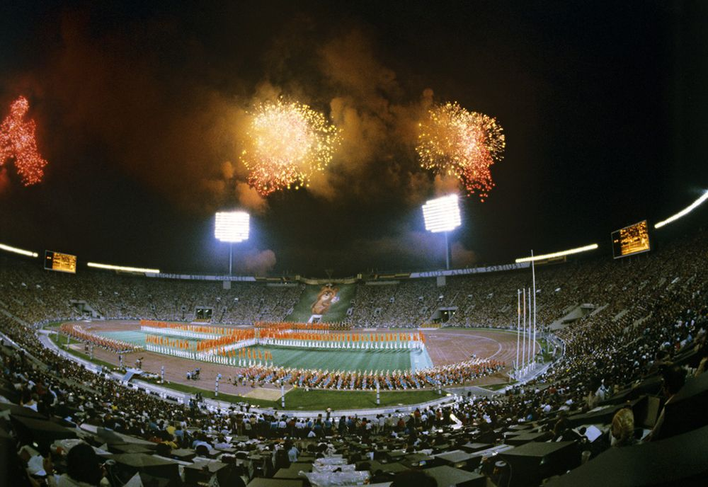 RIAN_archive_488321_Closing_ceremony_of_the_22nd_Summer_Olympic_Games.jpg