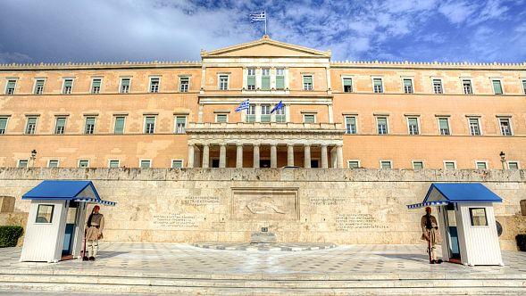 Власти Греции намерены выслать дипломатовРФ