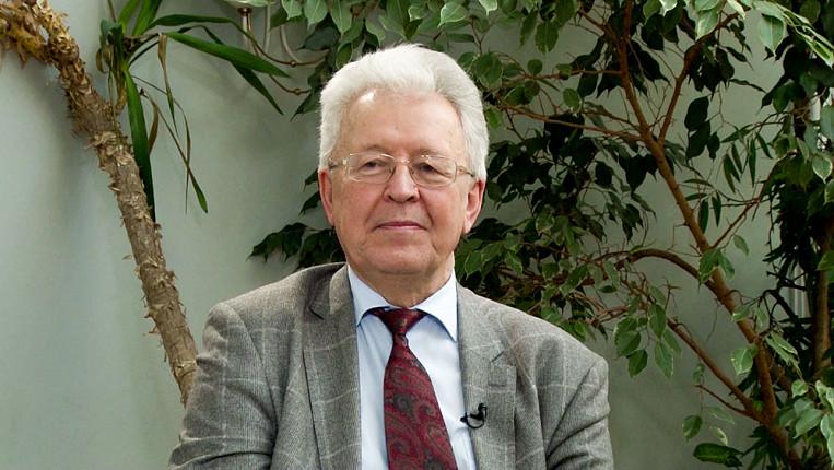 Картинки по запросу Доктор экономических наук, профессор Валентин Катасонов фото