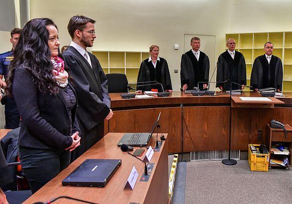 ВГермании неонацистку пожизненно осудили заубийство 10 человек