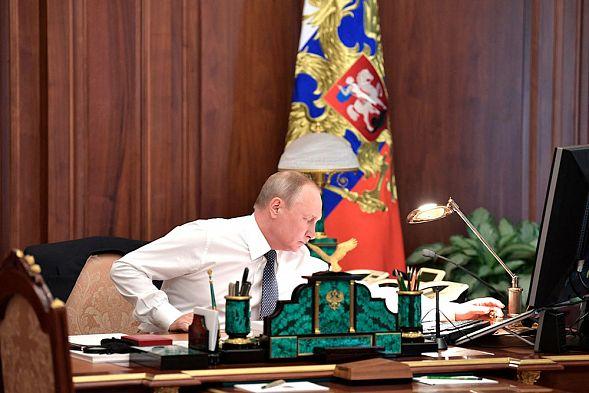 Путин утвердил развитие РФ до 2024-ого года — Новый майский указ
