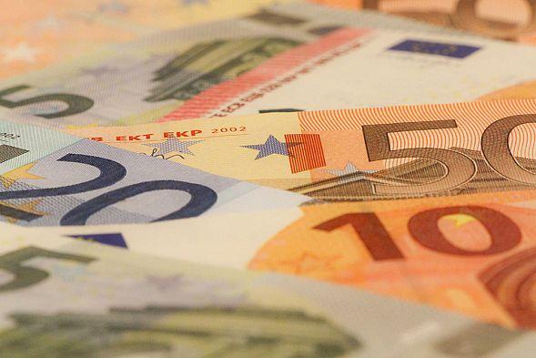 Руб. упал кдоллару иевро из-за сообщений овысылке русских дипломатов