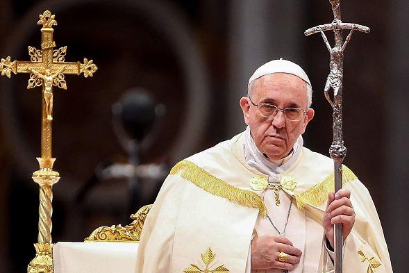 Папа Римский омыл ноги 12 заключенным