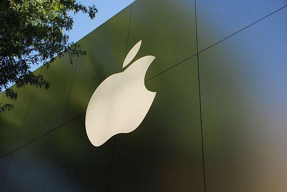 Apple заплатит 50 долларов пользователям, заменившим аккумулятор на собственных iPhone