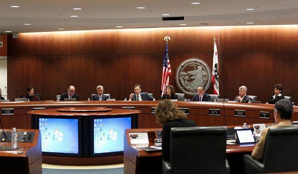 Fox: суд заблокировал предложение оразделе Калифорнии натри штата