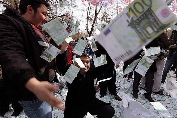 Иран переходит сдоллара наевро
