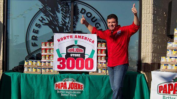 Основатель сети пиццерий Papa John's подал всуд накомпанию