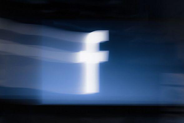 Социальная сеть Facebook скроет публикации по главным словам либо фразам
