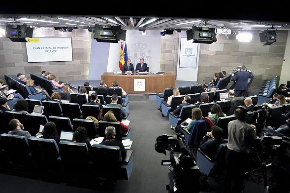 Испания выдала ордер наарест прежнего  лидера Каталонии Пучдемона