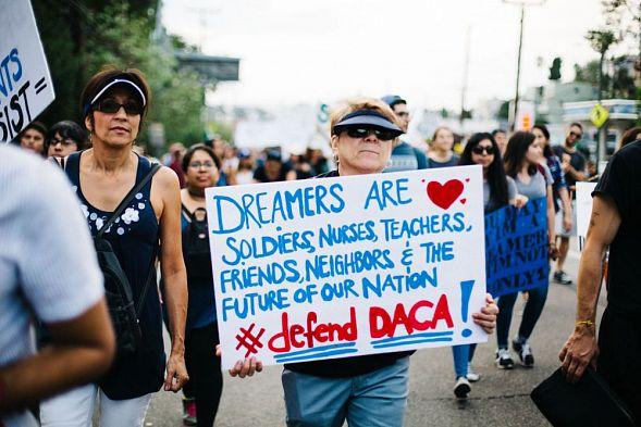 Семь американских штатов выступили заотмену защиты мигрантов