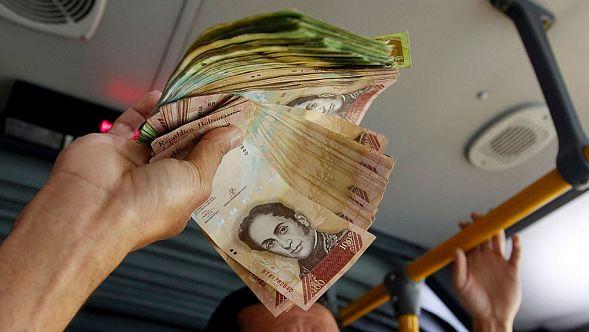 Впервый раз за15 лет венесуэльцы смогут обменивать валюту