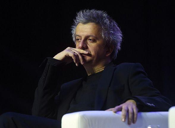 Дождь режиссер Константин Богомолов уходит из МХТ имени Чехова