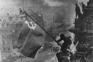Госдума приняла в третьем чтении законопроект, разрешающий демонстрацию свастики, если в этом нет пропаганды нацизма