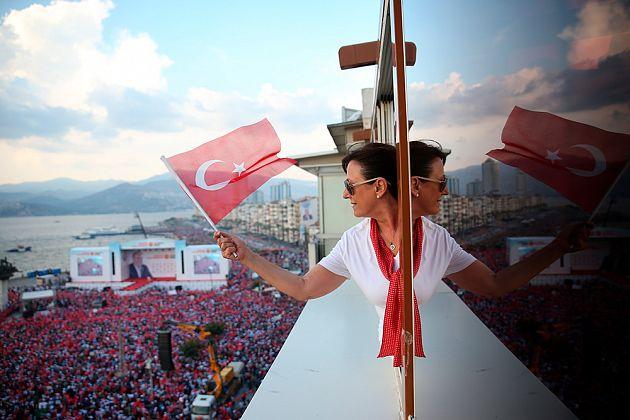 Emre Tazegul / AP