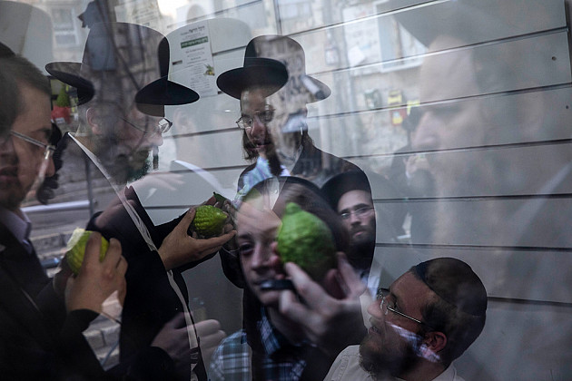 Oded Balilty / AP