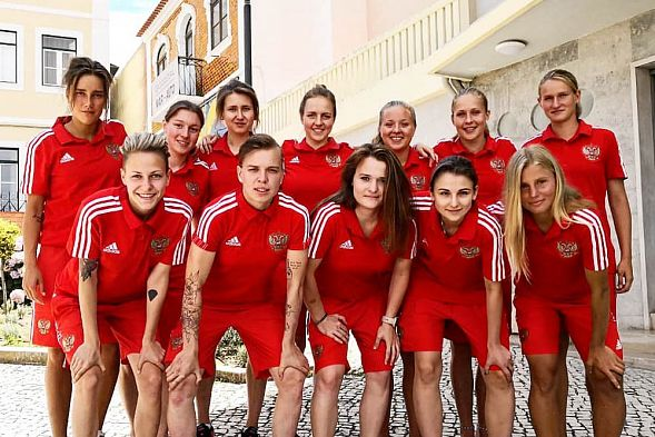 Женская сборная Российской Федерации впервый раз вистории завоевала Кубок Европы попляжному футболу