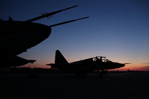 Пилот сбитого сирийского истребителя отказался сдаваться израильтянам и умер