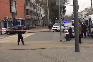 В Ростове-на-Дону вооруженный следователь СК взял в заложники жену