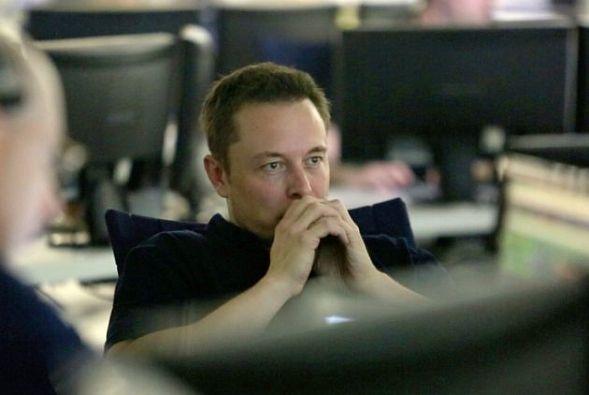 Илон Маск будет зарабатывать больше всех насвете